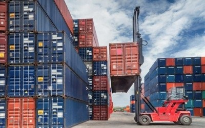 Rising overseas exports boost businesses